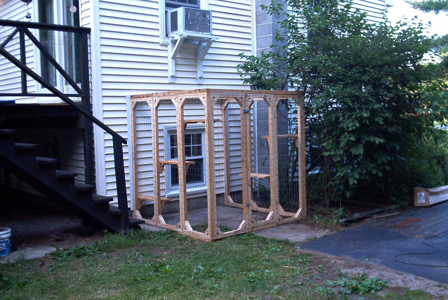The Safe Kitty outdoor cat enclosure will give your kitty or kitties ...